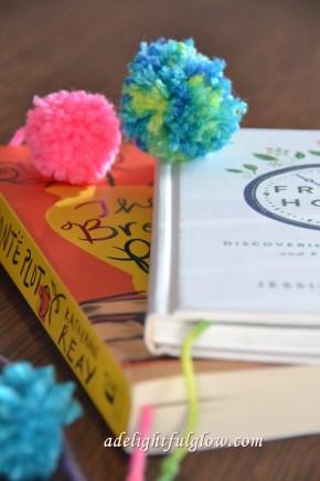 Pom-pom book marks