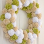 DIY Pom-pom wreath