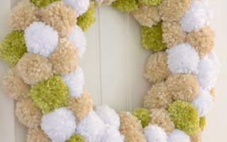 DIY Pom-pom wreath