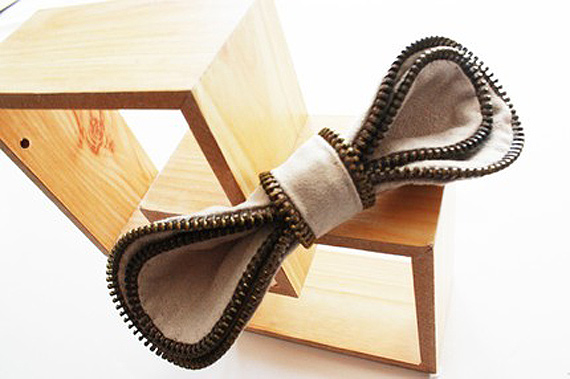 brooch khaki zipper bow