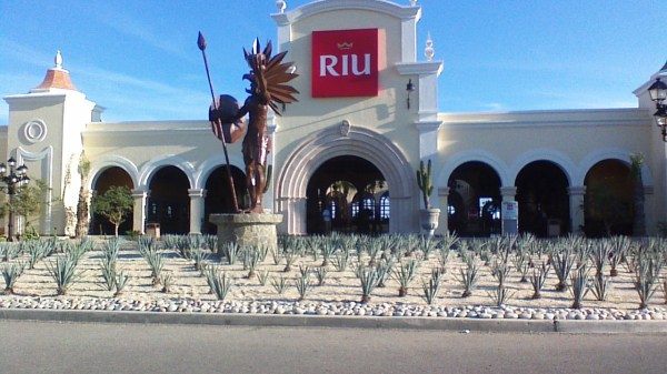 RIU Palace Cabo San Lucas, Mexico | Adelman Vacations