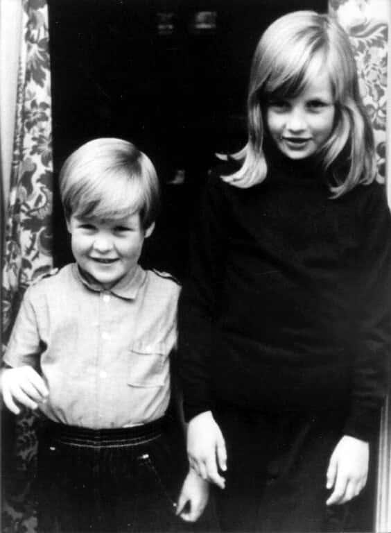 Prinzessin Diana und ihr Bruder Charles