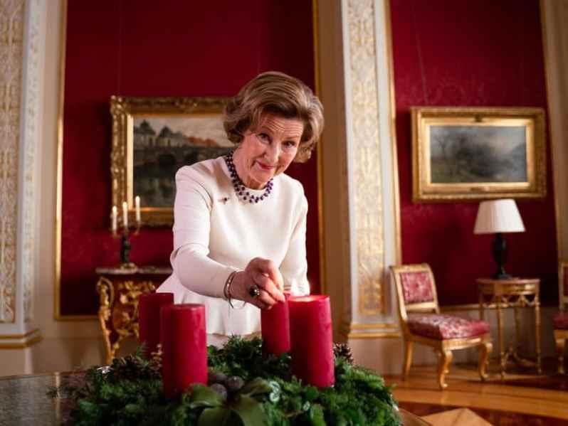 Königin Sonja zündet die erste Kerze an