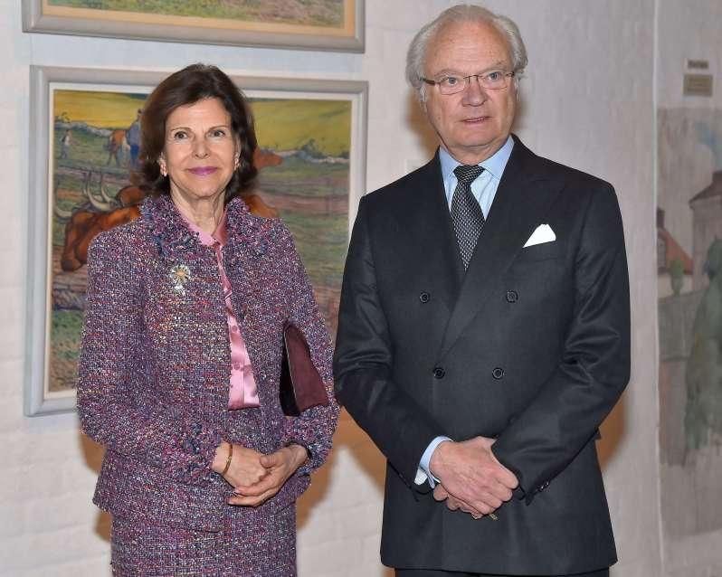 Königin Silvia und König Carl Gustaf warten auf ihre Impfung