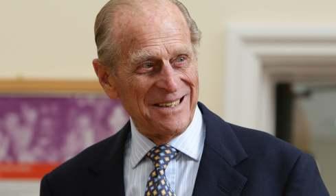 Der Tod von Prinz Philip bewegt viele Menschen. Ein Mann legte nun eine handgeschnitzte Wassermelone nieder, um den Royal zu ehren.