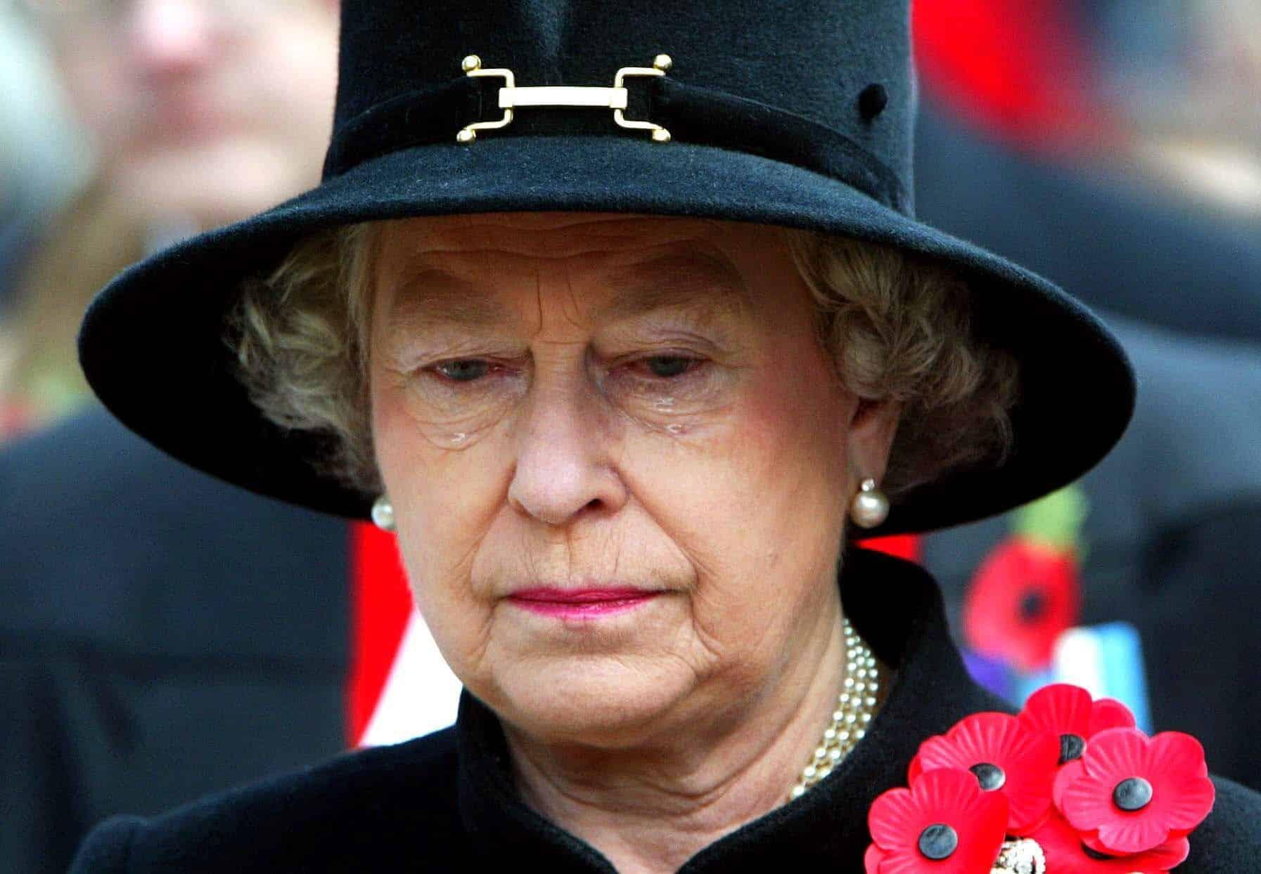 Queen-Elizabeth-In-diesen-5-Momenten-kullerten-die-Tr-nen