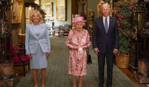 Queen Elizabeth erinnert Joe Biden an seine Mutter