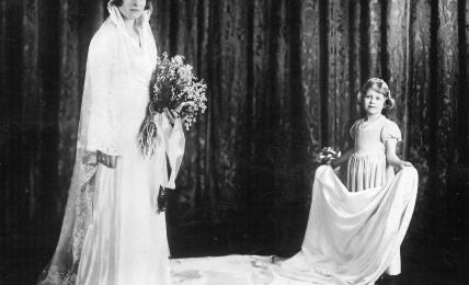 Queen Elizabeth als Brautjungfer