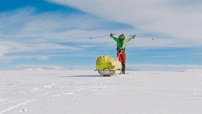 شاهد اول شخص في العالم يجتاز القارة القطبية الجنوبية المتجمدة