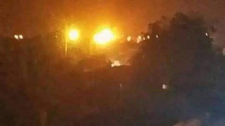 عاجل.. يرجح ان يكون عمل تخريبي.. نشوب حريق هائل في مصافي عدن (صور)