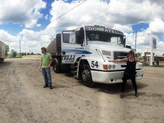 Um caminhão cheio de coca