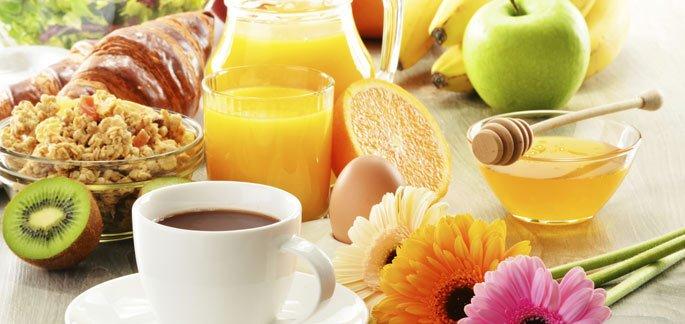 Café da manhã comemorativo aos aniversariantes nos meses de março e abril