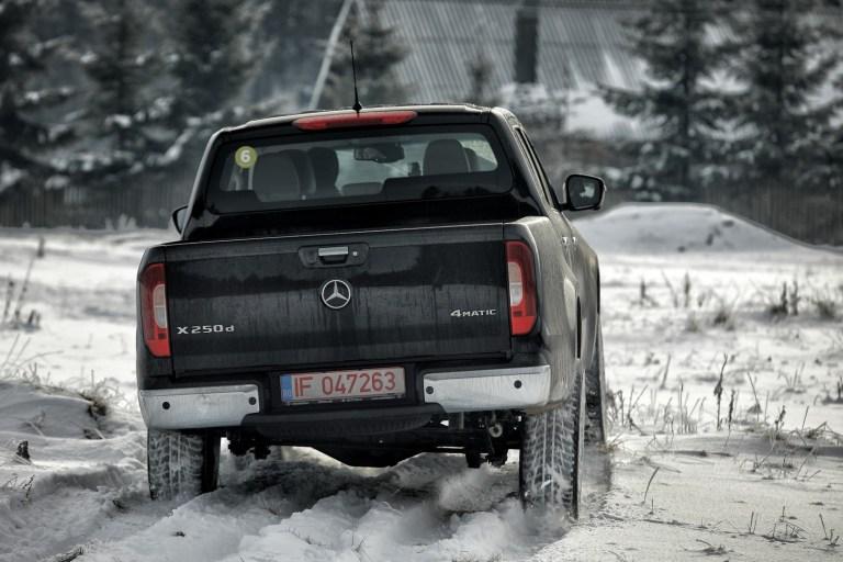 Mercedes-Benz X 186