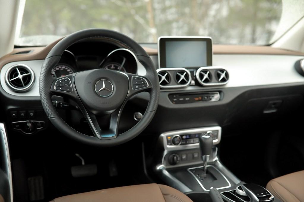 Mercedes-Benz X 243