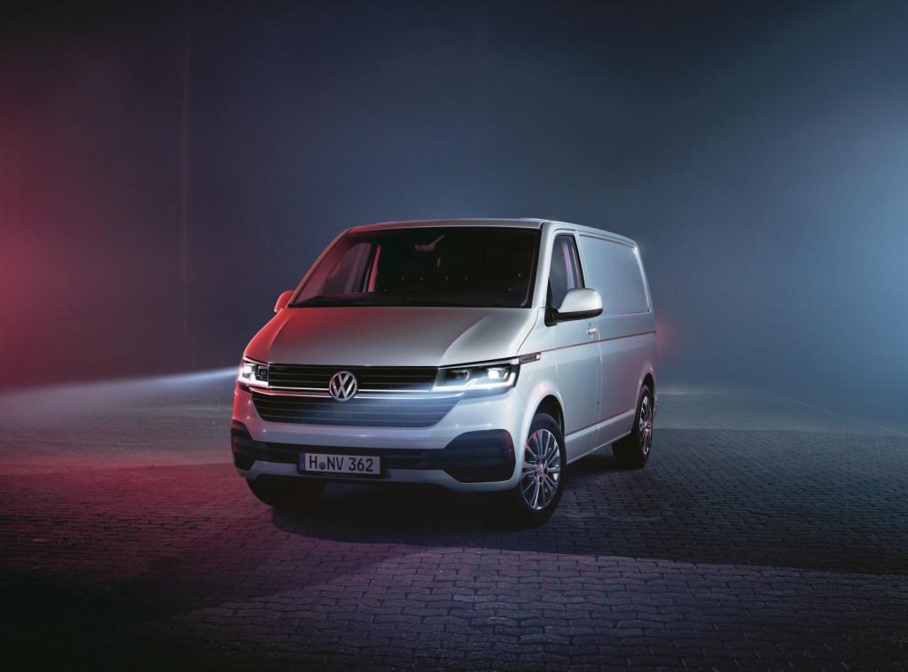 VW Transporter 6.1 (2)