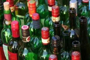 empty glass wine bottles recycling