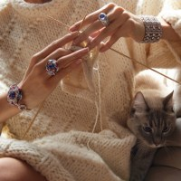 Warmth Feeling: Handmade Wool Cossack & Giant Carat Jewelery & Cats