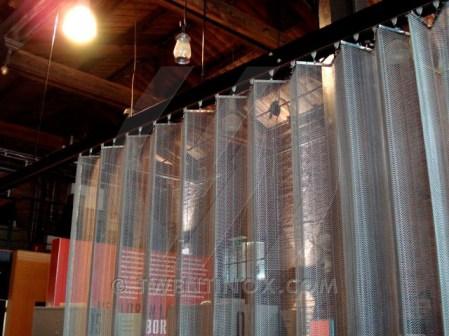w-oude-remise-bad-nieuweschans-sierra-papa-small-metalen-gordijnen-metal-curtains-metall-vorhange-metallique-rideau-005