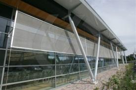 w-sporthal-nieuw-vennep-golf-sierra-small-facade-sporthal-sports-utility-metaal-_zonwering-sunscreen-metal-fassade-jalousie-1