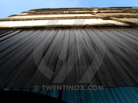 w-twentse-welle-enschede-sierra-papa-zonwering-sunscreen-metalen-gordijnen-metal-curtains-metall-vorhange-metallique-rideau-004