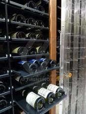 w-wijnkelder-stockholm-wine-cellar-golf-romeo-small-rvs-fence-scherm-guard-metal-curtain-securtity-screen-closure-barrier-2