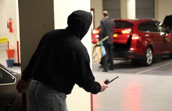 Εξαρθρώθηκε σπείρα στο Μενίδι που διέπραττε κλοπές αυτοκινήτων