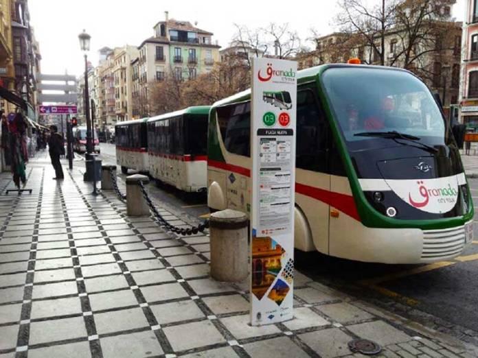 El tren turístico de Granda vuelve a funcionar
