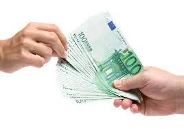 El consumidor paga las comisiones bancarias