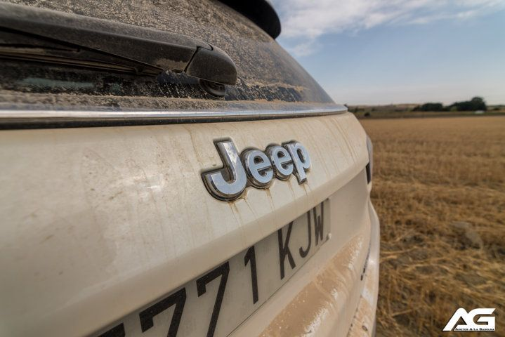 logo Jeep Compass Limited