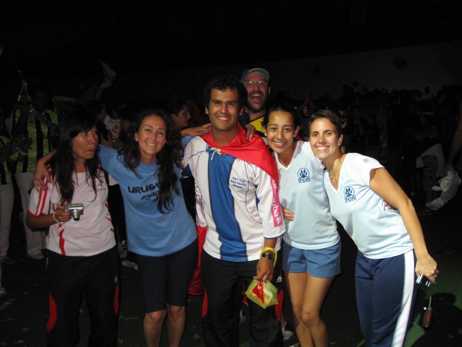 Con amigos de Argentina: Leticia, Mara, Rodrigo y María