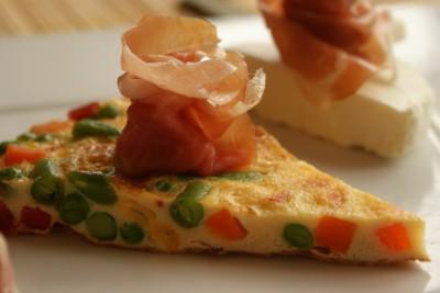 tortilla verduras queso y jamon 02