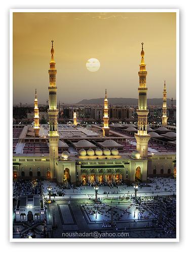 Masjid E Nabavi Madina Munawara, where Mohammed sas Rahmatul Alameen is Resting May peace and Blessings of Allah be upon Him.