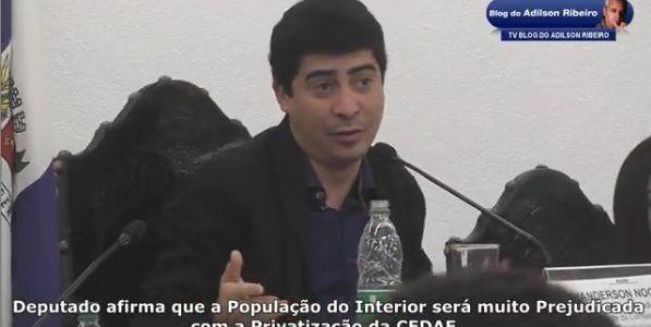 Itaperuna Quarta-feira 21:25 – Deputado afirma que a População do Interior será muito Prejudicada com a Privatização da CEDAE. Click em Leia Mais, assista ao Vídeo e dê a sua Opinião: