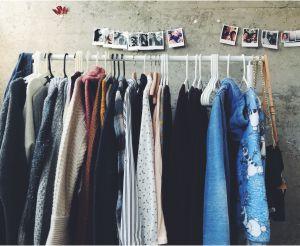 50 Kosakata Tentang Pakaian dan Aksesoris Yang Biasa Sehari-hari