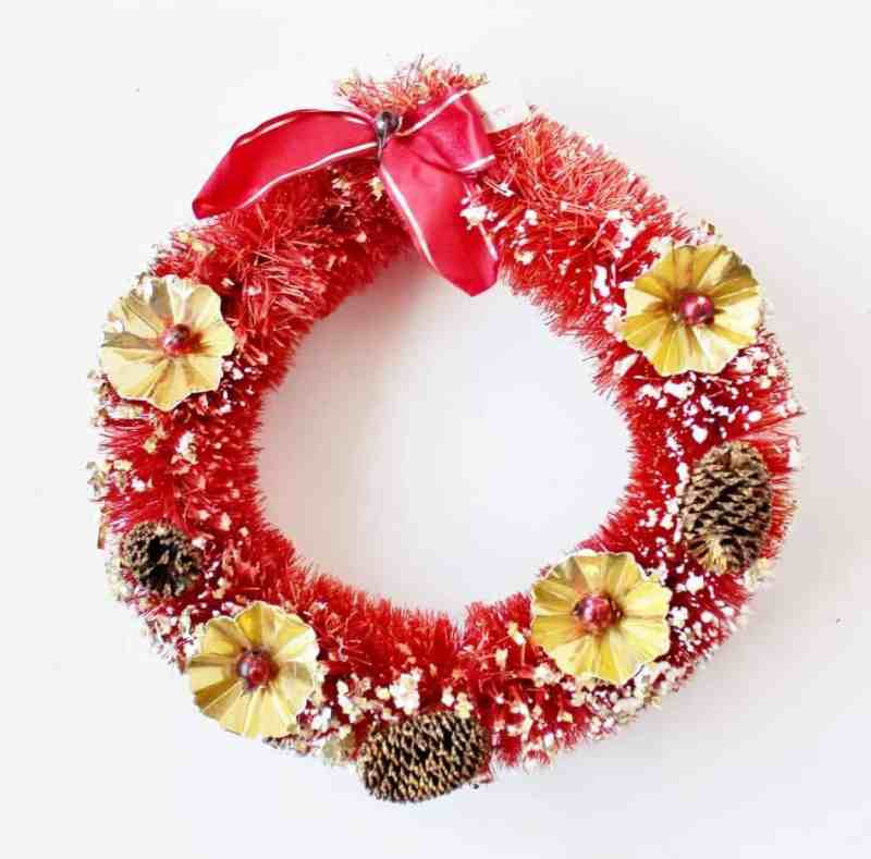 vintage 1950s red bottle brush wreath - Vintage Christmas Decorations 1950s