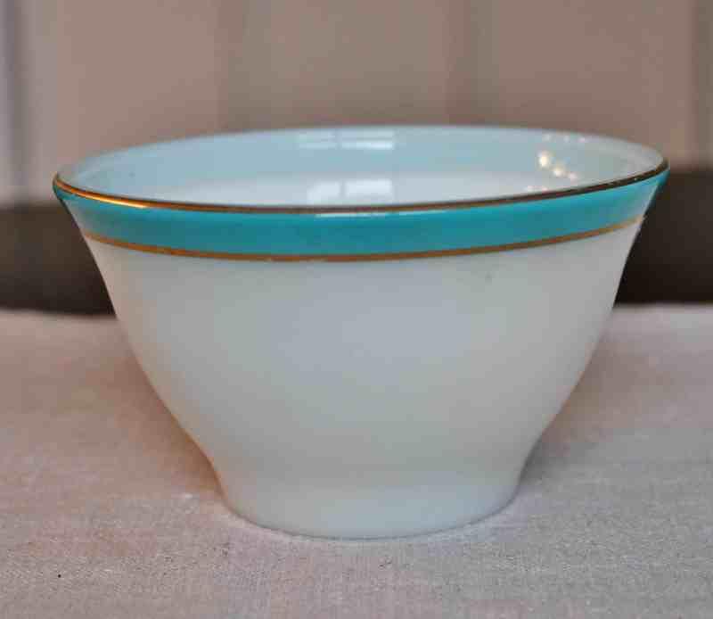 Pyrex cup 4 one half inch diameter