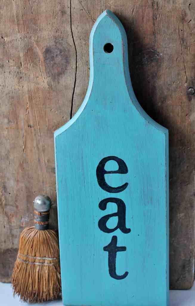 Vintage Inspired DIY Bread Board