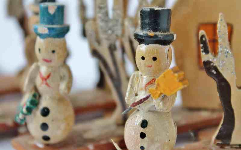 Vintage Japanese Accordian Snowman Village (2)