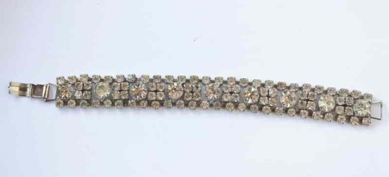 vintage-rhinestone-bracelet-2-1024x467