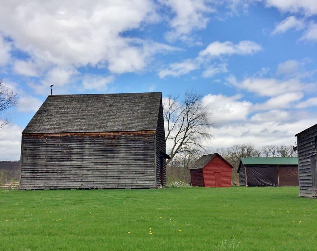 gray-Dutch-barn-at-mabee-farm-3-1024x810