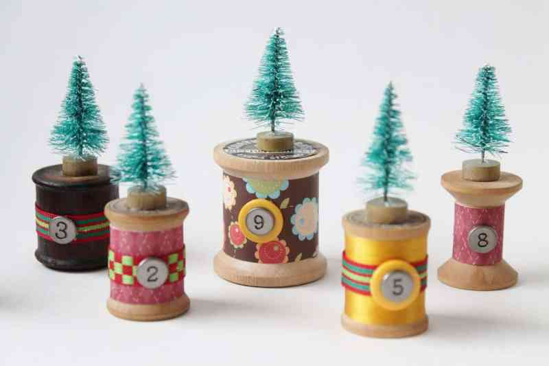 vintage-thread-spools-with-bottle-brush-trees-2-1280x853
