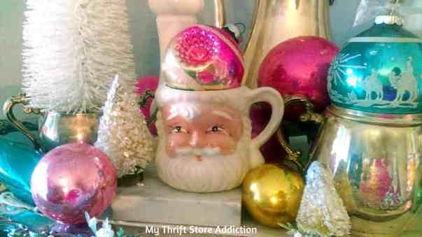 close-santa-ornaments-cecilia