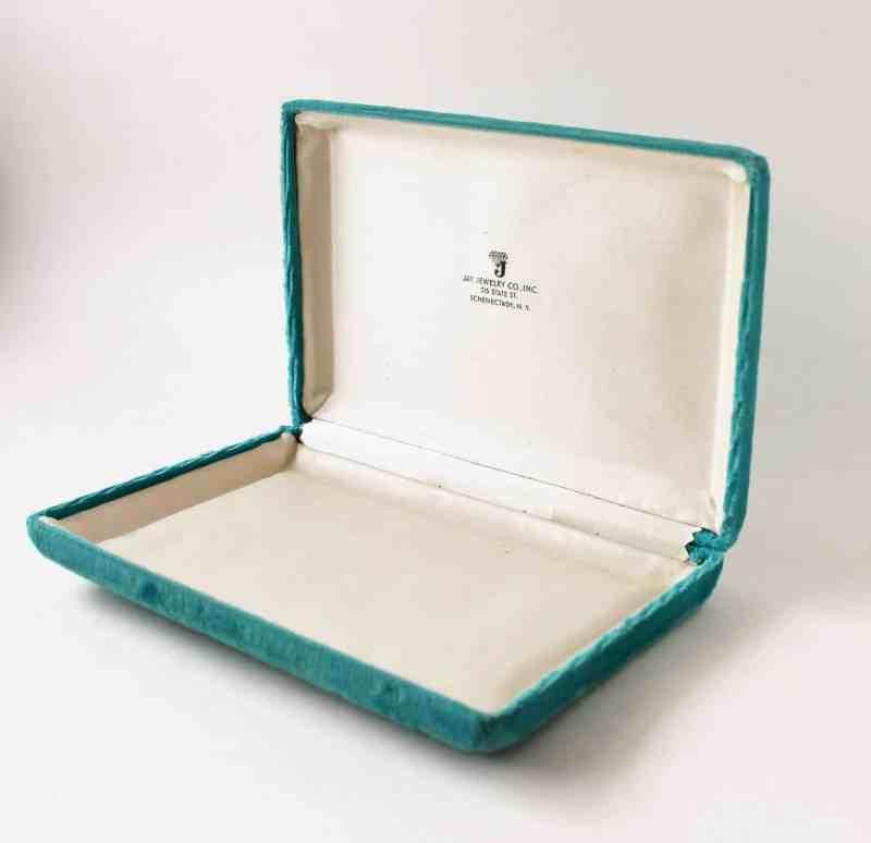 vintage aqua velvet jewelry bo
