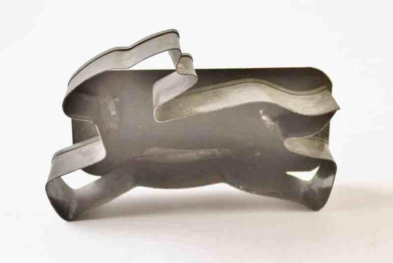 tin rabbit cookie cutter