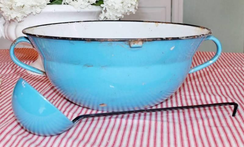 vintage enamelware punch bowl and ladel