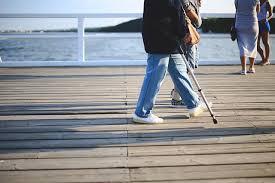 Help-Mobility-Problems-Walker-Handicap-Crutches