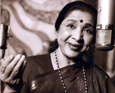 Playback Queen – Asha Bhosle