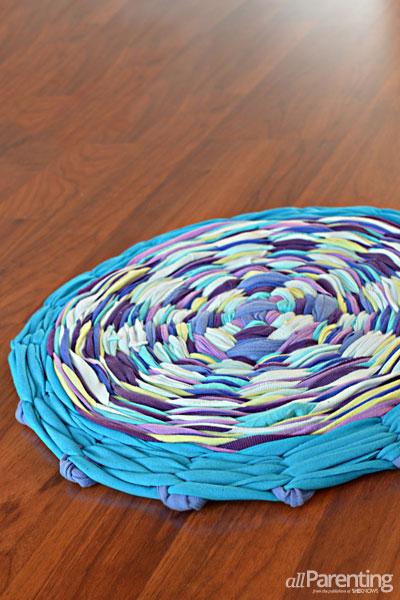 DIY Hula Hoop T-Shirt Rag Rug