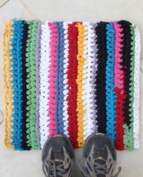 DIY Crocheted T-Shirt Yarn Rug
