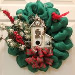 10 DIY Burlap Wreath Christmas Decoration Ideas